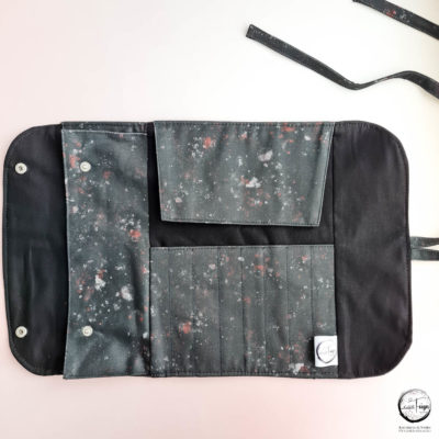 "Pinseltasche ""Rollo"" (Black Galaxy)"